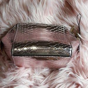 Victoria's Secret Bags - 🎉Sold🎉Victoria's Secret Pink Small Bag